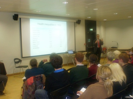 Jeremy Wight speaking at the public meeting on closing the health gap